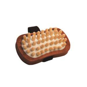 escova com pega de tecido e pinos de madeira